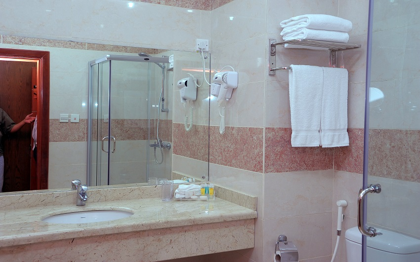 Rose Inn Al Waha Hotel - Jeddah - Bathroom