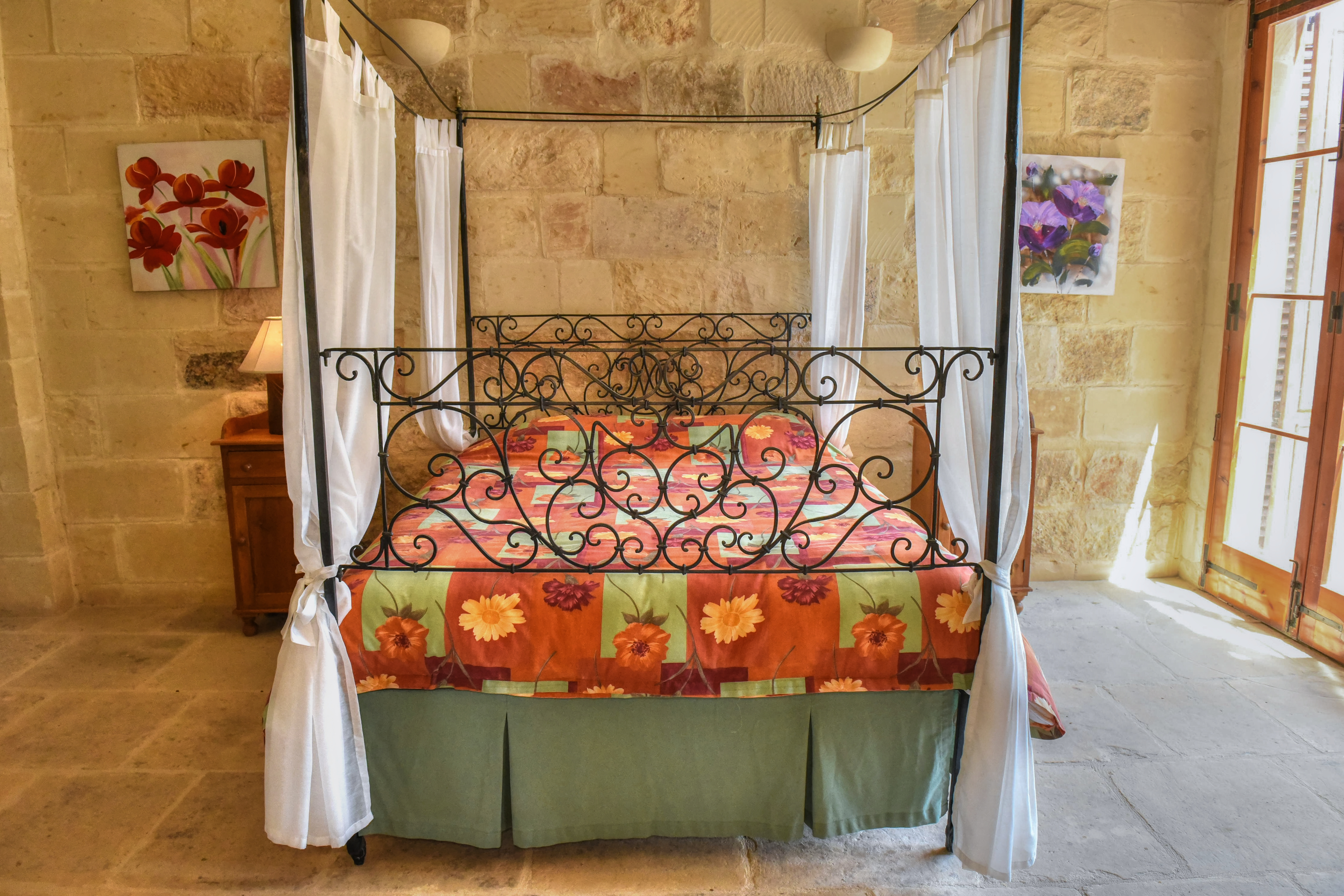 4-Poster double bed