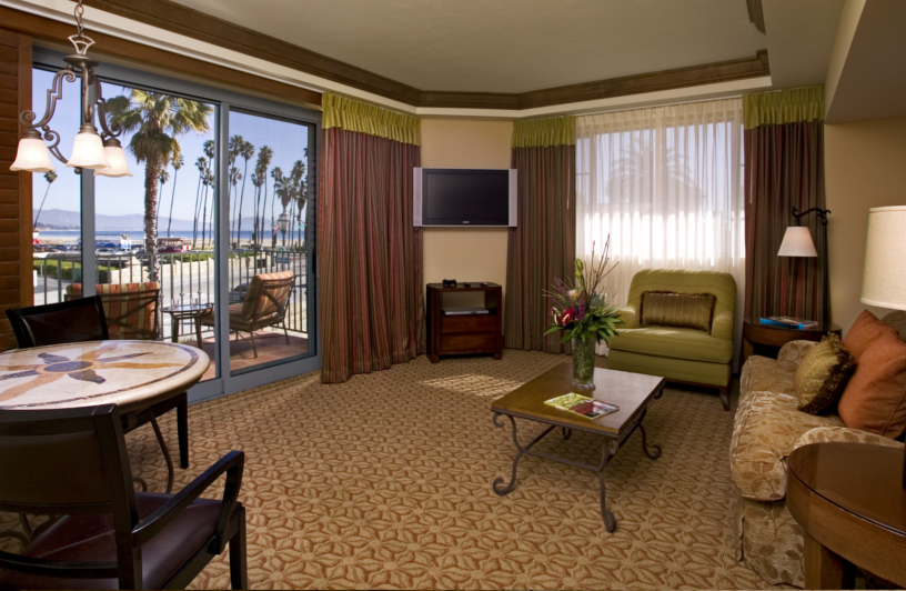 Harbor View Inn - Suites