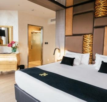 Hugo's Boutique Hotel - Luxury Sea View Room