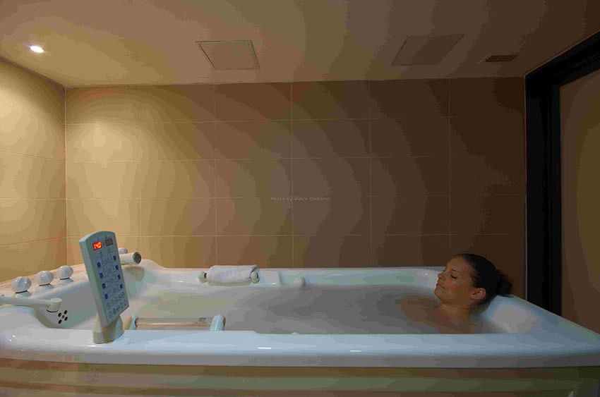 Hydro bath at Pearl Spa